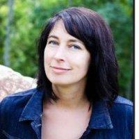 Lareina Abbott awarded a Paetzgold Fellowship.